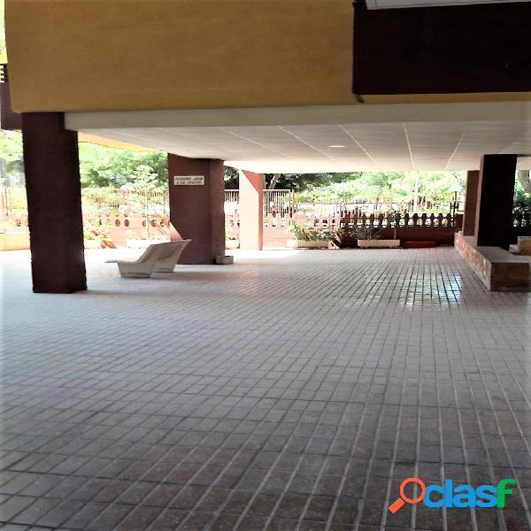 Vivienda en zona Benalúa de 135 m2, 5ª planta con 2