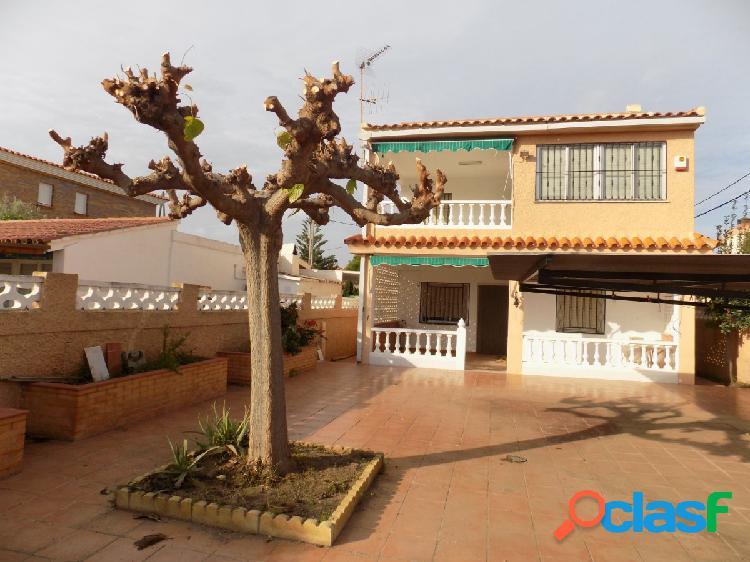 Vivienda unifamiliar aislada en la Marjalería de Castellón