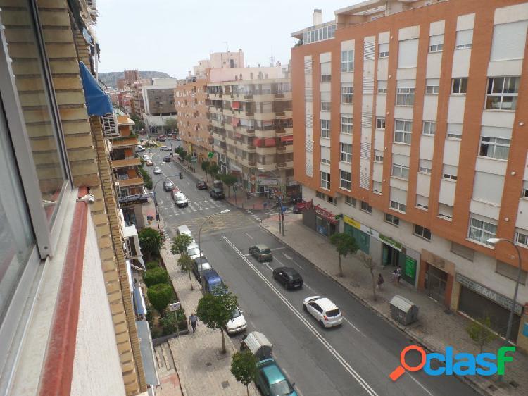 Zona Plaza América - Conde Lumiares. Bonita vivienda 3