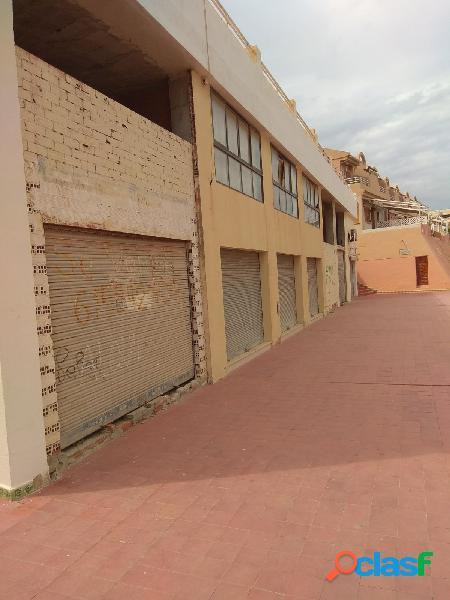 local comercial en Arenales del sol.
