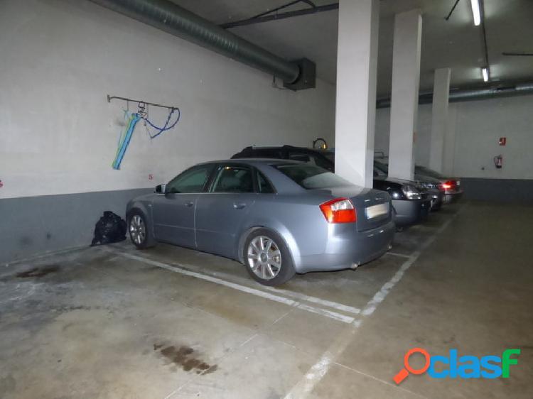 plaza de parking en el centro