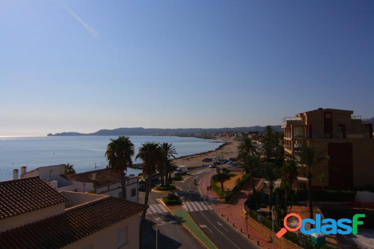 Ático en venta en Javea con hermosas vistas al mar