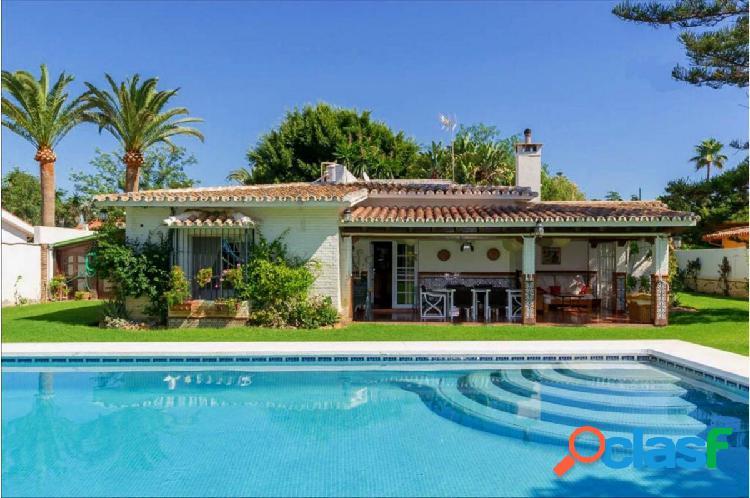 Impresionante Villa en Guadalmar