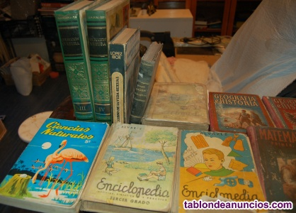 Libros antiguos y discos de vinilo