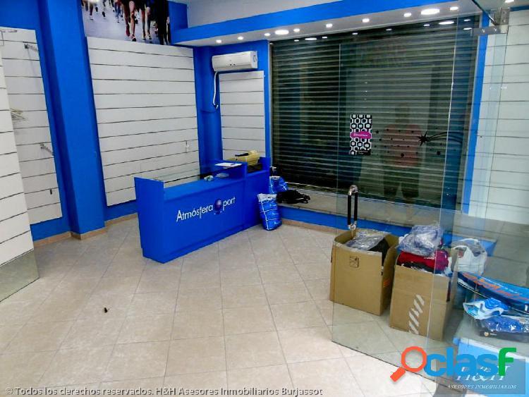 Se alquila local comercial esquinero en Zona Concordia. /H H