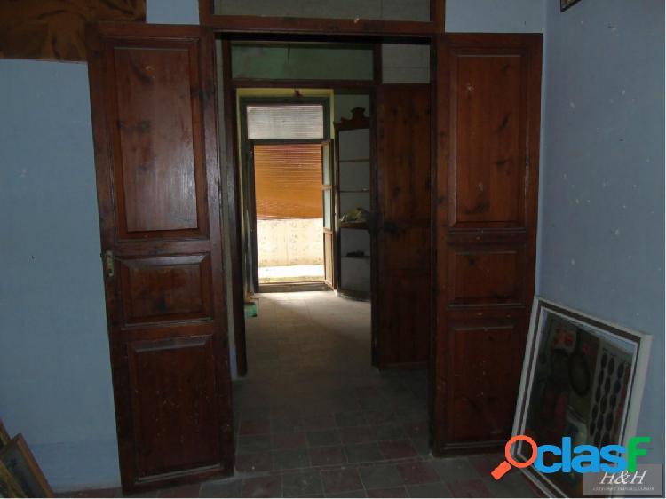 Se vende casa adosada en Zona Sagrado Corazón. / HH