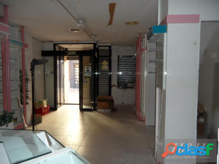 Se vende casa centrica en Burjassot / H H Asesores,
