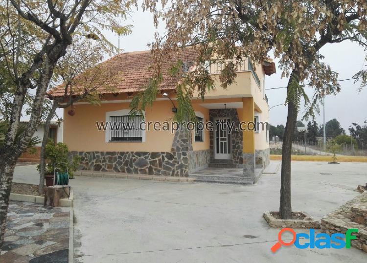 Se vende casa de campo en parcela de 5.000 m2 en Valle del
