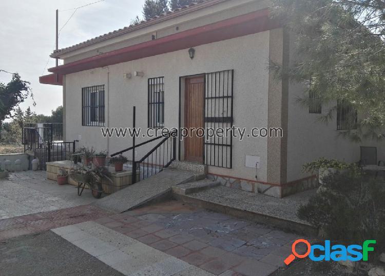 Se vende casa en parcela de 3.000 metros en Valle del Sol