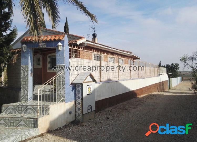Se vende casa en parcela de 4.000 metros en Valle del Sol