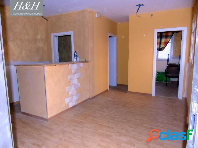 Se vende local comercial en Zona Burjassot-Godella. / H H