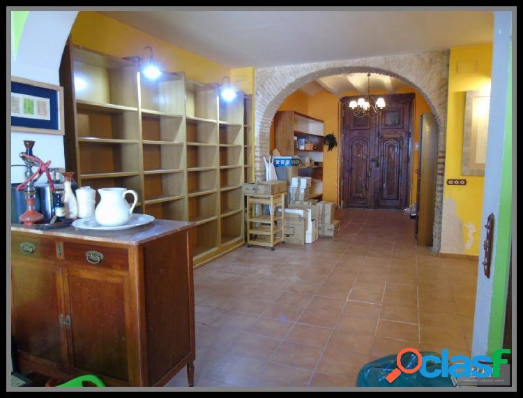 Se vende magnífica casa junto al Ayto. de Burjassot. / H H