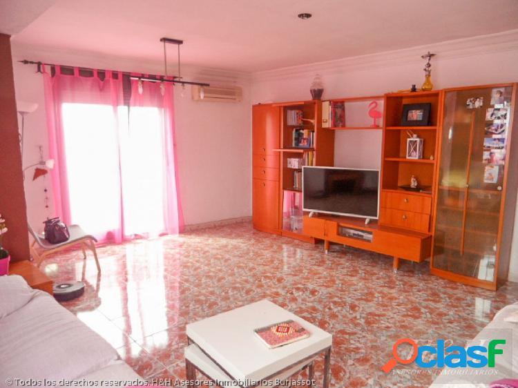 Se vende magnífico piso en Zona Cantereria. / H H Asesores,