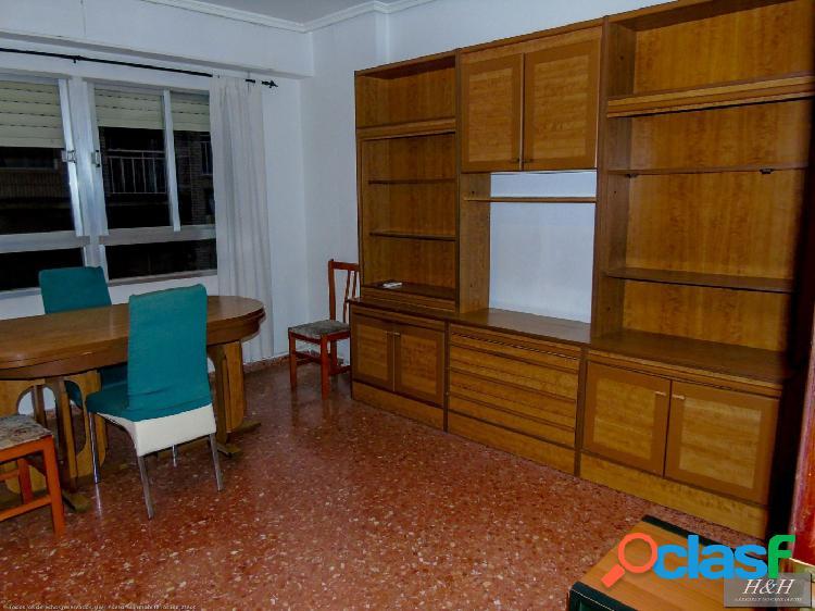 Se vende magnífico piso en Zona Eixereta. / HH Asesores,