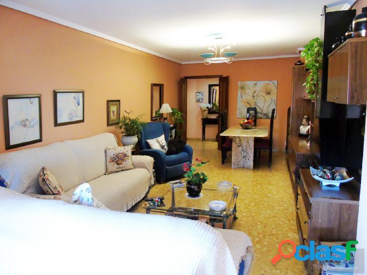 Se vende magnífico piso en zona Cantereria. /H H Asesores,
