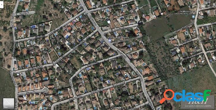 Se vende parcela urbanizable en Pobla de Vallbona. /HH