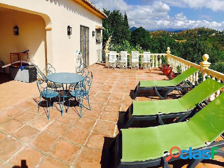 Casa-Chalet en Venta en Estepona Málaga Ref: 80037-V
