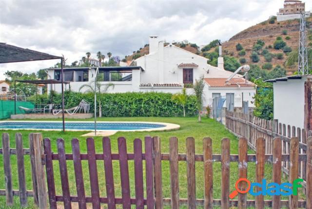 Casa de campo-Masía en Venta en Alora Málaga