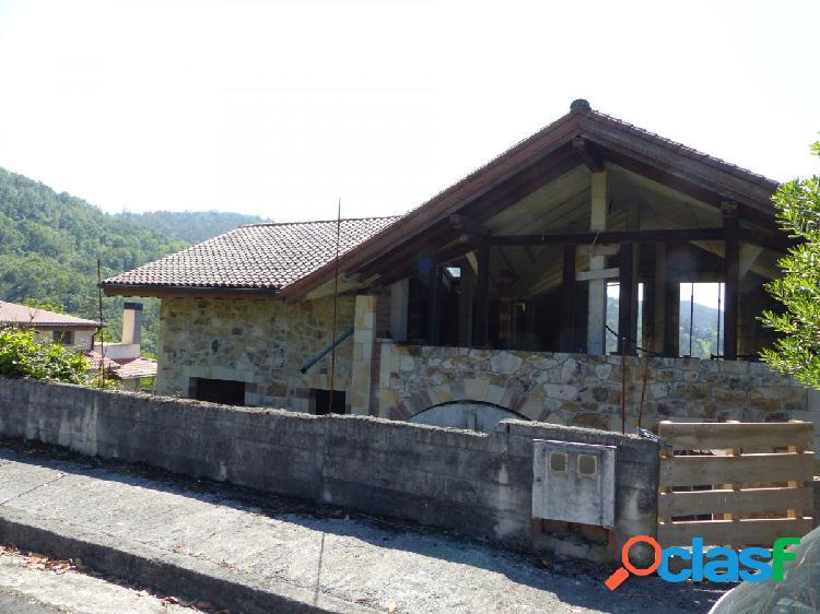 Casa en construcción en Isuskiza