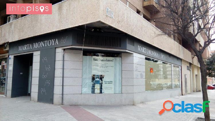 INFOPISOS presenta estupendo local comercial zona C.Inglés