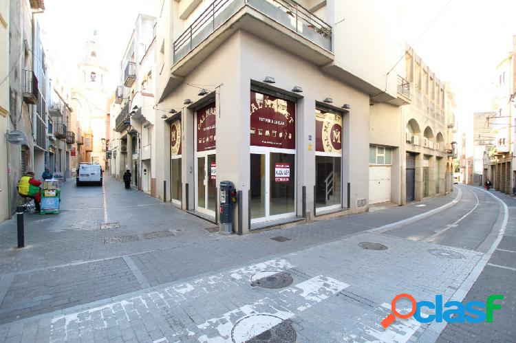 LOCAL COMERCIAL EN EL CENTRO DE EL VENDRELL