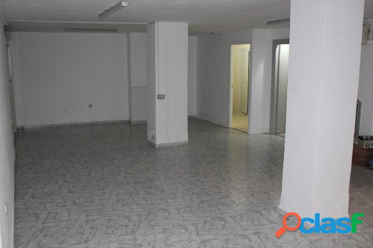 Local de 83 m2 con entresuelo de 83 m2