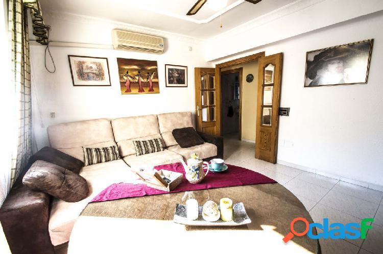 Los Molinos: piso 4 dormitorios por 59.000 €