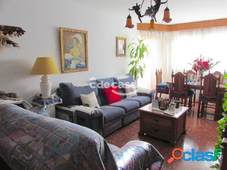 Oportunidad, Piso de 4 dormitorios en el centro de Estepona