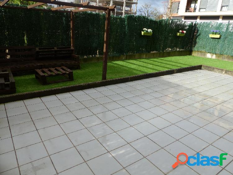 Precioso bajo con terraza y jardín en Urduliz, en zona