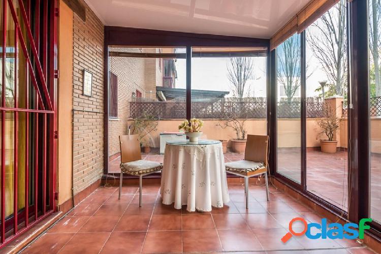 Precioso piso en la mejor urbanización del Serrallo.