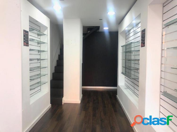 Se alquila oficina a pie de calle en El Carrascal de 22 m2