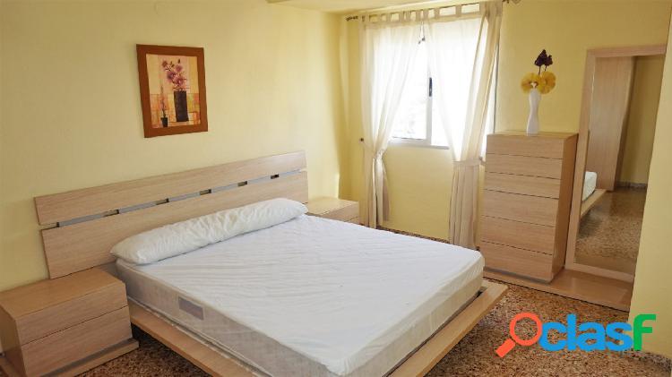 Se alquila piso 4 dormitorios Canet