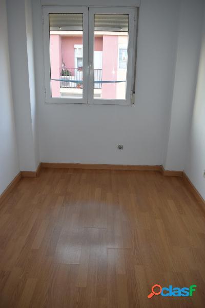 Zona Delicias piso 61M2. Calefacción eléctrica. Gastos