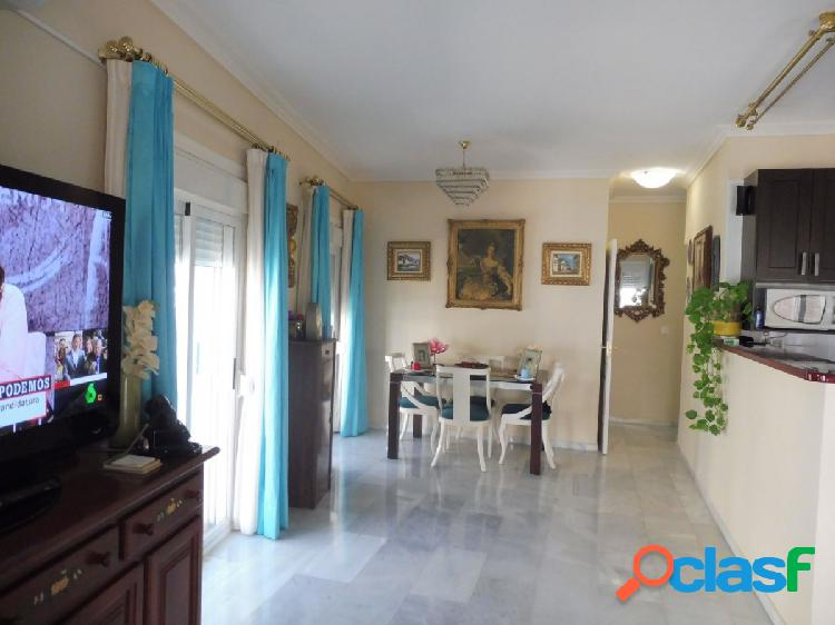 Amplio apartamento en el centro de Arroyo de la Miel