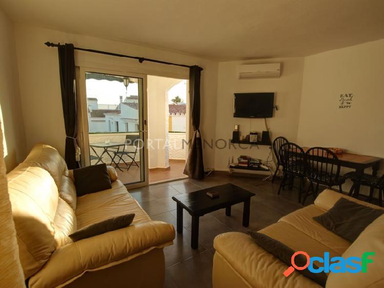 Apartamento de 2 dormitorios con vistas al mar en S'Algar