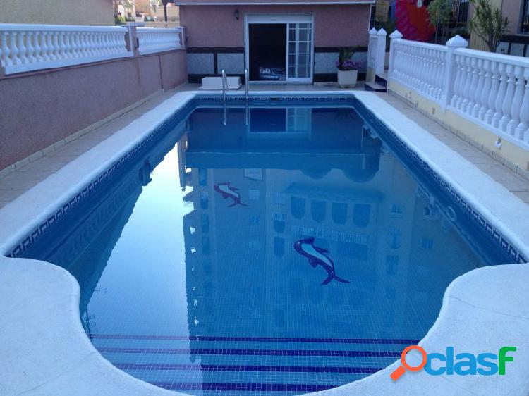 Chalet con jardin de frutales y piscina propia,zona playa de