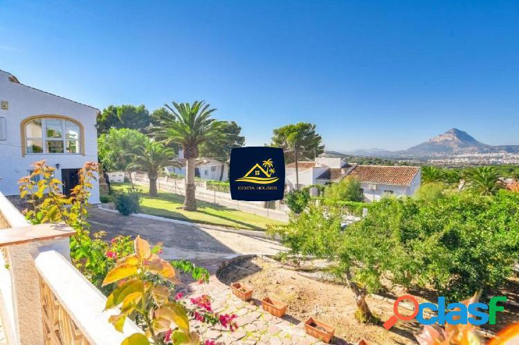 En Venta Villa en Javea con VISTAS al MAR en la tranquila