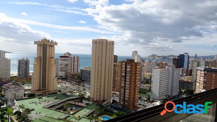 Fantástico apartamento con vistas al mar en zona Levante.