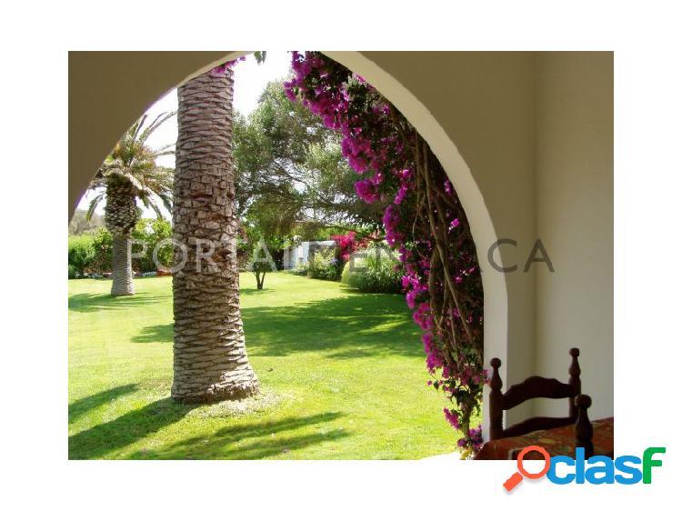 Magnífica casa de campo con piscina y amplios jardines