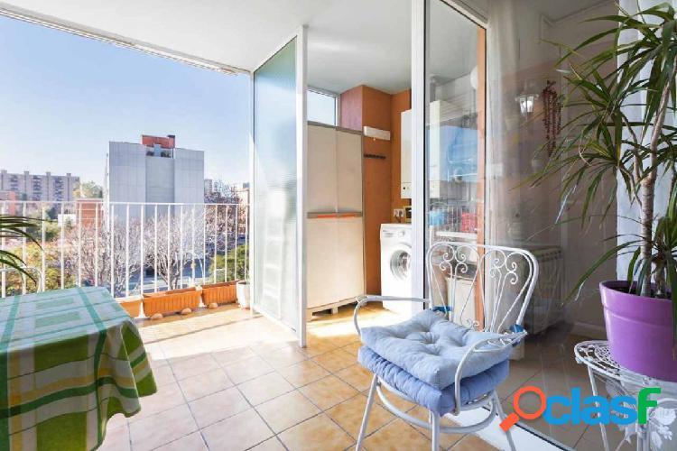 Maravilloso piso con terraza, parking y trastero