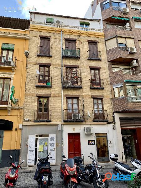 Piso en el centro de Granada!!