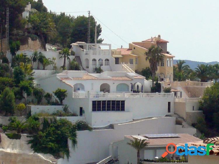 Villa con vistas al mar en una sola planta cerca de todos