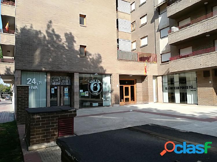 Áctur, gran local de 600 m² con fachada a tres calle,