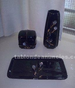 Se vende juego de tocador de cerámica con piedras de