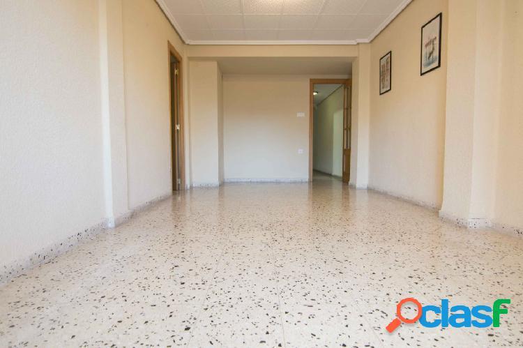 Amplio piso en alquiler Zona Aiora