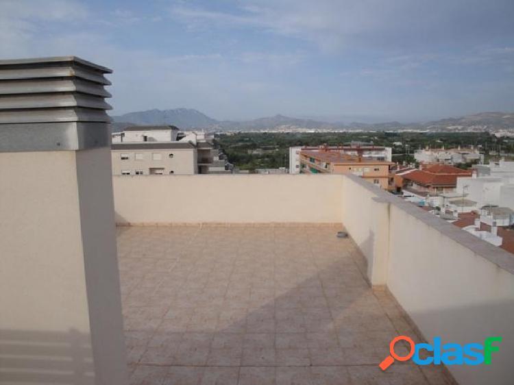 Apartamento de 2 dorm. con terraza y parking en Miramar