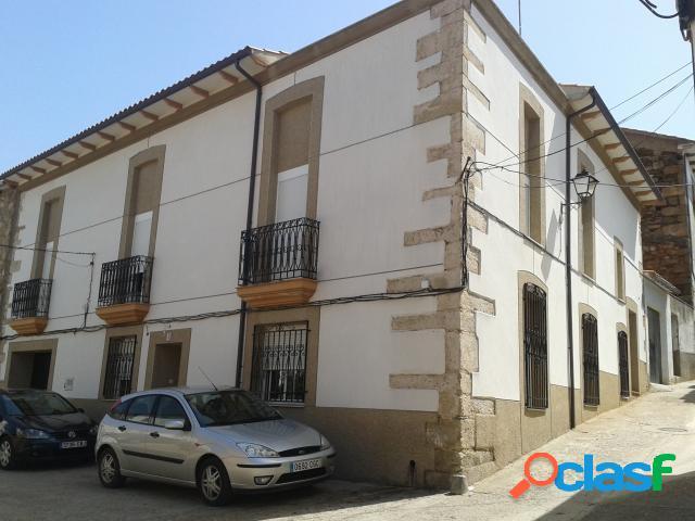 Casa en Venta en Perales del Puerto, Cáceres