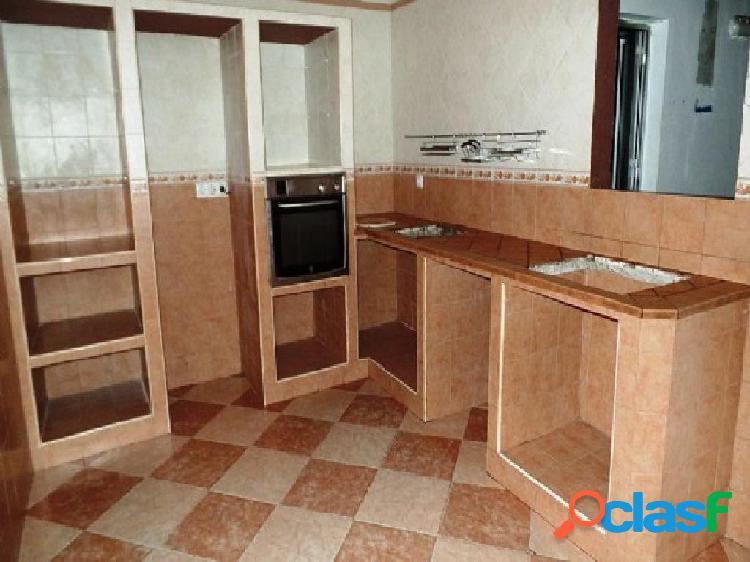 Casa en venta en Algeciras, Cádiz en Calle Hortensia