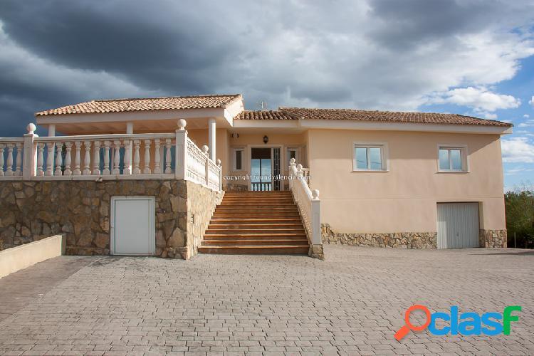 Chalet en Alquiler en Alberic, Valencia