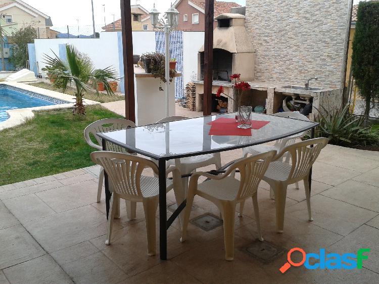 Chalet en Venta en La Pobla de Vallbona, Valencia